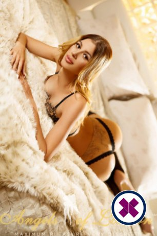 Alessia is een knappe en geile Romanian Escort van Camden