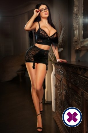 Alegra is een sexy Hungarian Escort in Harrow
