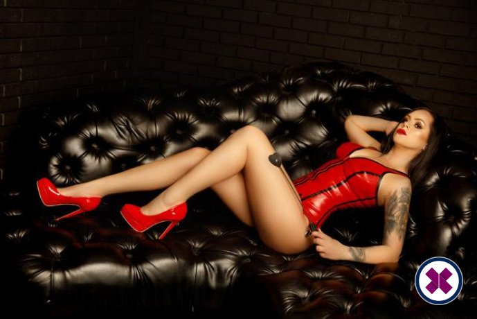 Noir Massage is one of the best massage providers in Düsseldorf. Book a meeting today