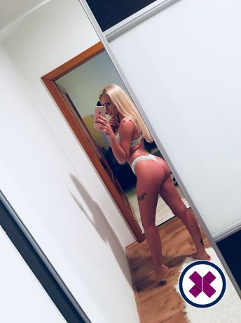 Mia Blonde is a hot and horny Hungarian Escort from Göteborg
